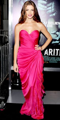 8/24/12: Va-va-va-voom! With her leg-baring draped dress, matching lipstick and Old Hollywood waves, #AshleyGreene was an undeniable red-carpet bombshell. #lookoftheday http://www.instyle.com/instyle/lookoftheday/0,,,00.html