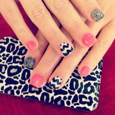 Chevron fun nails