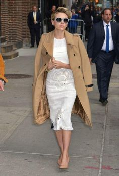 Scarlett Johansson in a white Roland Mouret dress and classic trench coat