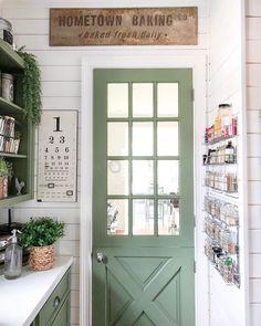Antique Farmhouse, Farmhouse Homes, Farmhouse Style Decorating, Farmhouse Decor, Cottage Decorating, Modern Farmhouse, Farmhouse Design, Cottages And Bungalows, French Cottage