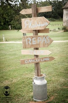 Something photography - Mariage Clos de l Orbrie - La mariee aux pieds nus My Perfect Wedding, Dream Wedding, Wedding Day, Barefoot Wedding, Yellow Wedding, Just Married, Wedding Season, Wedding Signs, How To Introduce Yourself