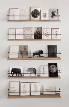 #Crush | #DIY : Comment décorer avec des cartes postales ?Réponse en images sur @decocrush ( www.decocrush.fr )