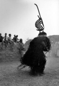Africa | Bamana masquerader wearing a male chiwara headdress. Mali. | ©Catherine De Clippel