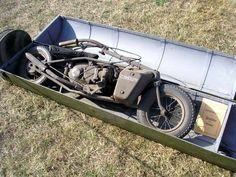 The Welbike, for parachute drops. The Welbike two stroke, fold up motorbike for parachute assault troops in WWII. Made by Excelsior this machine could hit 30 mph and go 90 miles on a tank. Vintage Motorcycles, Custom Motorcycles, Custom Bikes, Cars And Motorcycles, Mini Bike, Sidecar, Car Purchase, Motorcycle Engine, Motor Scooters