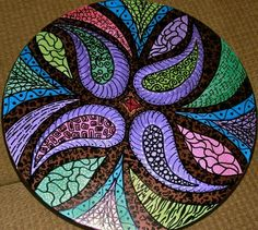 Hand painted lazy susan - looks like a great mosaic idea Zentangle designs & projects Mosaic Crafts, Mosaic Projects, Mosaic Art, Mosaic Glass, Mosaic Tiles, Glass Art, Art Projects, Mosaics, Mosaic Designs