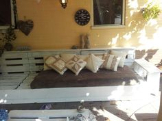 Lounge bank on pinterest lounges pallet lounge and vans - Foto houten pallet ...