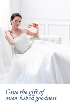 Introducing a wedding registry for people who love pizza. Low Cost Wedding, Wedding Tips, Wedding Styles, Wedding Planning, Different Wedding Dresses, Long Wedding Dresses, Wedding Expenses, Affordable Wedding Venues, Wedding Centerpieces