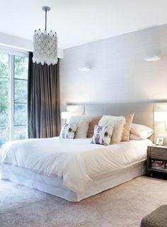 Нехорошее сочетание цветов штор с серо-серым в спальне