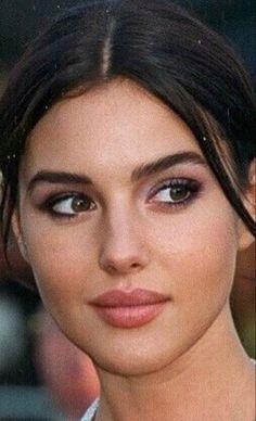 Monica Bellucci Young, Monica Bellucci Photo, Girl Face, Woman Face, Beautiful Celebrities, Most Beautiful Women, Brunette Beauty, Hair Beauty, Turkish Beauty