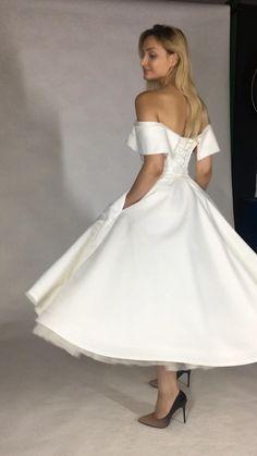 Handmade Wedding Dresses, Designer Wedding Dresses, Bridal Dresses, Wedding Gowns, Tea Length Wedding Dress, Tea Length Dresses, Elegant Dresses, Beautiful Dresses, Vestidos Vintage