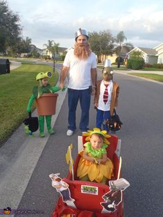 Plants vs. Zombies - Homemade costumes for families