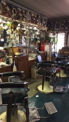 Linton (a friend of T.Y. Rogers and MLK) owns this barber shop ...