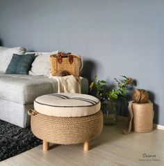 Farmhouse jute rope ottoman – Upcycled grain sack and car tire - garden types Tire Furniture, Diy Furniture Projects, Upcycled Furniture, Unique Furniture, Furniture Decor, Tire Ottoman, Ottoman Decor, Grain Sack, Diy Home Crafts