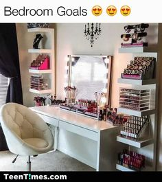 Since I'm not that into make-up, it'd be a great idea for a work space. Maybe I can have a couple of nail polish bottles sitting somewhere or maybe brushes I may use in the future. But throw in pale pink and gold, I'd use this as a work space.