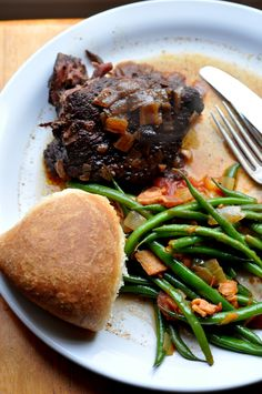 A Portuguese favorite slow cooked all day in the slow cooker. Alcatra is a staple in any Portuguese home. See this easy recipe...
