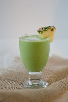 Healthy Piña Colada Green Monster Smoothie by thechichlife: No alcohol. #Smoothie #Pina_Colada #Green #Healthy