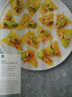 Nacho's met guacamole en garnalen (de morgen)
