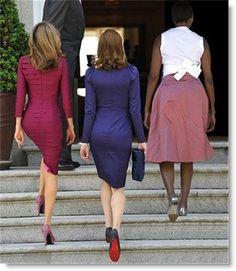 Princess Letizia of Spain, French First Lady Carla Bruni, Queen Michelle Obama Carla Bruni, Michelle Obama, Princess Of Spain, Moda Chic, Moda Plus Size, Queen Letizia, Queen Rania, Adele, Hard Rock