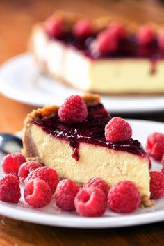 Gâteau au speculoos, fromage blanc et coulis de framboise