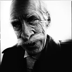 Portrait by Lee Jeffries Lee Jeffries, James Nachtwey, Manchester, Old Faces, Homeless Man, People Of Interest, Human Emotions, Black And White Portraits, Interesting Faces