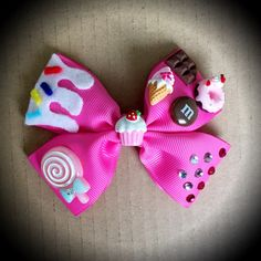 Sugar Rush Wreck it Ralph Pink Rhinestone Candy Hair Bow. Pink Grosgrain Ribbon Decorated With Resin Candy, Felt Details and Rhinestones. Mounted on an Alligator Clip. I can do custom bows, please dont hesitate to contact me if youd like something Specifi Ribbon Hair Bows, Diy Hair Bows, Barrette, Toddler Hair Bows, Candy Hair, Custom Bows, Making Hair Bows, Diy Hair Accessories, Cheer Bows