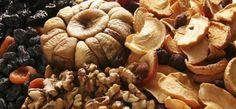 6 ΑΠΟΞΗΡΑΜΕΝΑ ΦΡΟΥΤΑ ΠΟΥ ΣΩΖΟΥΝ ΖΩΕΣ Superfoods, Diy And Crafts, Garlic, Stuffed Mushrooms, Vegetables, Health, Survival, Stuff Mushrooms, Health Care