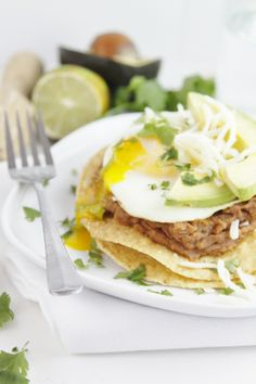 Breakfast Tostada - you can substitute refried black beans. Breakfast Items, Eat Breakfast, Breakfast Recipes, Tostadas, Tomatillo Sauce, Mexican Food Recipes, Healthy Recipes, Pavlova, Light Recipes
