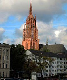 Publicamos en Guiarte.com la guía de la ciudad alemana de Fráncfort (Frankfurt): http://www.guiarte.com/francfort-/