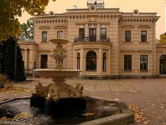 Finlaysonin palatsi (Finlayson Palace), now a restaurant with a lovely garden. Before, a home of factory owner's son Alexander von Nottbeck. Country Houses, Neoclassical, Staycation, Palaces, Regency, Finland, Castles, Norway, The Good Place