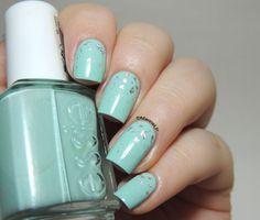 Silver rain - Essie Mint Candy Apple - Silver Foil Flakes - Feuilles d'argent - gradient - nailart