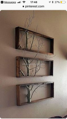 Reclaimed wood pallet wall decor idea gives a rustic environment to your urban p. wall decor diy Reclaimed wood pallet wall decor idea gives a rustic environment to your urban p… Retro Home Decor, Easy Home Decor, Cheap Home Decor, Easy Wall Decor, Nature Home Decor, Cheap Wall Decor, Recycled Home Decor, Home Tips, Diy House Ideas