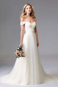 Simple, classic, and lovely, Heaton is a dress that flatters every shape and size.