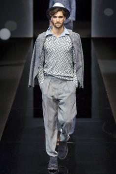 See the complete Giorgio Armani Spring 2017 Menswear collection.