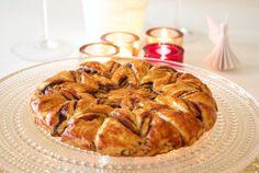 Hämmentäjä: Joulutorttukakku, todellinen tähtitorttu!  Traditional Finnish Plum Christmas pastry turned into a snowflake cake.
