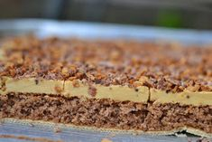 Caramel cake on wafers – Manuela – Willkommen in der Welt der Frauen Salty Snacks, New Years Eve Party, Ham, Caramel, Cheesecake, Sweets, Baking, Ethnic Recipes, Food