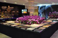 Decoração mesa doces festa 15 anos (Decoração: Monica Lipiani | Foto: Amanda Dias)