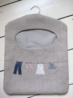 LOVE the clothesline pattern! Ticketty Boo: Linen Washing Line Peg Bag Fabric Crafts, Sewing Crafts, Sewing Projects, Clothespin Bag, Peg Bag, Little Presents, Creation Couture, Love Sewing, Hobbies And Crafts