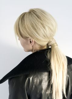 Tutorial On The 1960's Ponytail