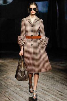 Coat dress a quadretti di Prada, love this look, LOVE!