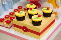 Resultado de imagem para cupcake decorado com coroa de princesa pinterest