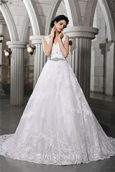 Gorgeous A-Line/Princess V-neck Sleeveless Beading Applique Chapel Train Organza Wedding Dress