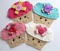 Felt cupcakes from paper-and-string