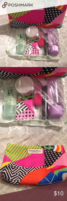 Clinique bonus day make up samples Brand new never opened Clinique bonus day make up samples and make up bag. Looks like make up remover, lipstick, mascara. Eye shadow, foaming face soap and face cream. Clinique Makeup