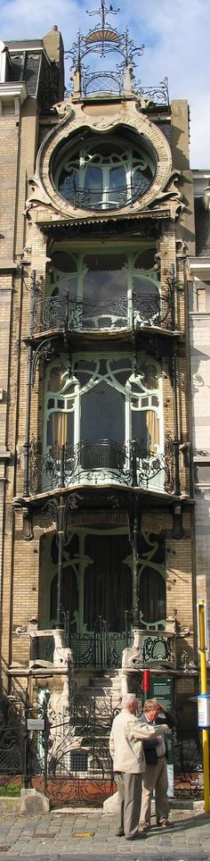 Art Nouveau - Maison St Cyr, Brussels built between 1901 and Architect Gustave Strauven. I love Art Nouveau, but sometimes the buildings are so busy they are unsettling to me. Architecture Design, Architecture Art Nouveau, Beautiful Architecture, Beautiful Buildings, Beautiful Places, Building Architecture, Beautiful London, London Architecture, Building Facade