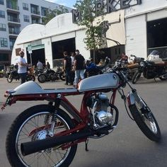 Built 2016 by DavmoMoto Honda Cb 100, New Honda, Custom Street Bikes, Custom Bikes, Japanese Domestic Market, Bike Builder, Rare Birds, Harley Davidson, Racing