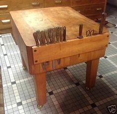 Vintage Antique Chicago Stockyards Era Maple Meat Butcher Block Table