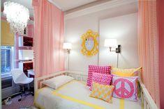 Hot pink bedrooms hip and yellow girls bedroom grey ideas . Girls Room Design, Small Room Design, Girl Bedroom Designs, Bedroom Ideas, Bedroom Decor, Bedroom Wall, Bedroom Furniture, Master Bedroom, Teen Girl Rooms