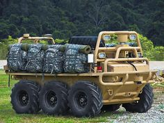 """Squad Mission Support System Lockheed Martin's Squad Mission Support System (SMSS) es un transporte no tripulado y el sistema de apoyo a las fuerzas de operaciones especiales. El SMSS utiliza un """"sígueme"""" de navegación que puede maniobrar de forma autónoma."""