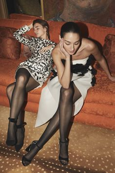 Monique Lhuillier Fall 2019 Ready-to-Wear Fashion Show - Vogue Women's Runway Fashion, Fashion Week, New York Fashion, Couture Fashion, Vogue Fashion, Tadashi Shoji, Vogue Paris, Monique Lhuillier Bridal, Black Lace Cocktail Dress