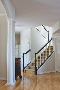 Our 5 Favorite Benjamin Moore Whites (and how to use them) Traditional stairway painted with Classic Gray walls, Simply White trim and Tricorn Black Handrails Best White Paint, White Paint Colors, Best Paint Colors, Paint Colors For Home, Neutral Paint, Gray Paint, White Paints, Stain Colors, Blanc Benjamin Moore